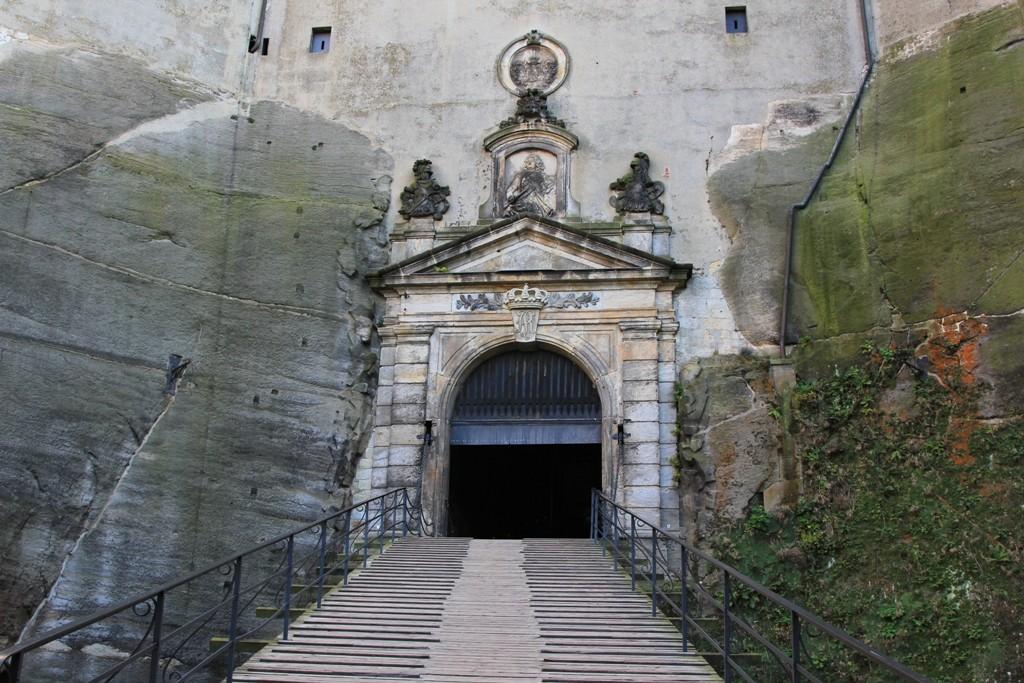 Das Festungsportal (Medusentor) - oder schlicht, der Burgeingang