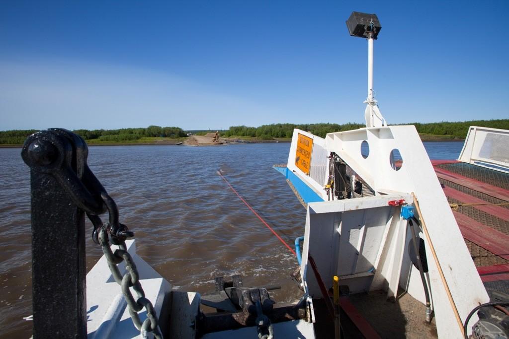 Überfahrt auf dem Arctic Red River