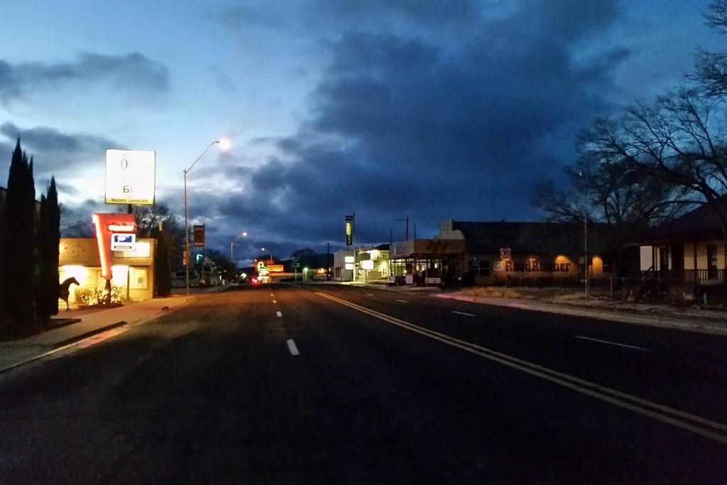 ,,,spät Abends auf der I 40, Motel bereits geordert!
