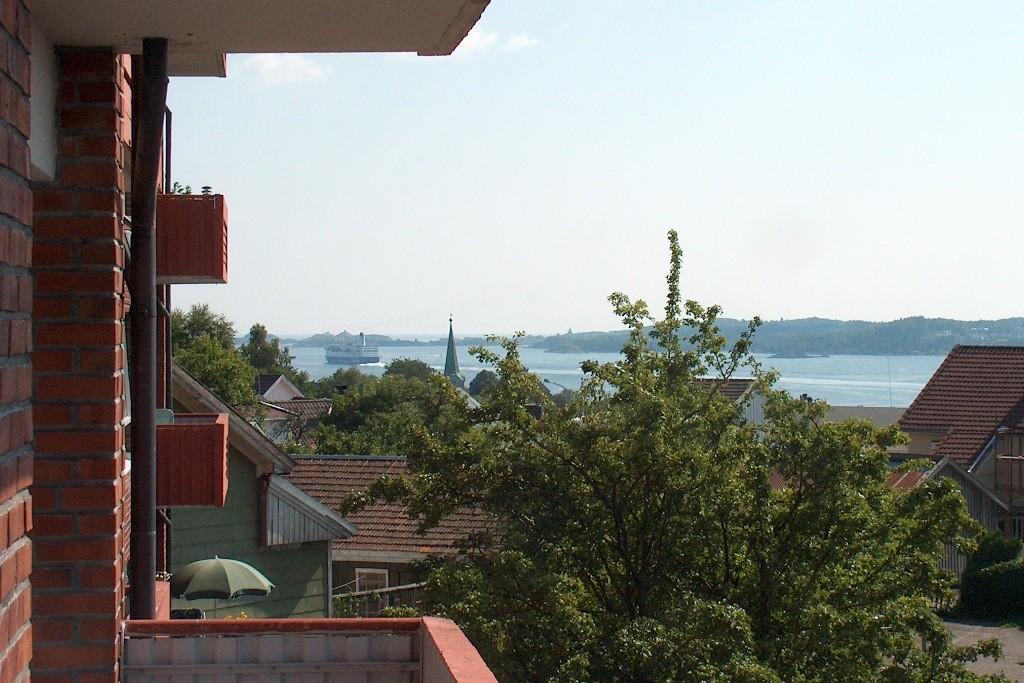 Von der Unterkunft sehen wir unsere Fähre wieder in Richtung Frederikshavn fahren.