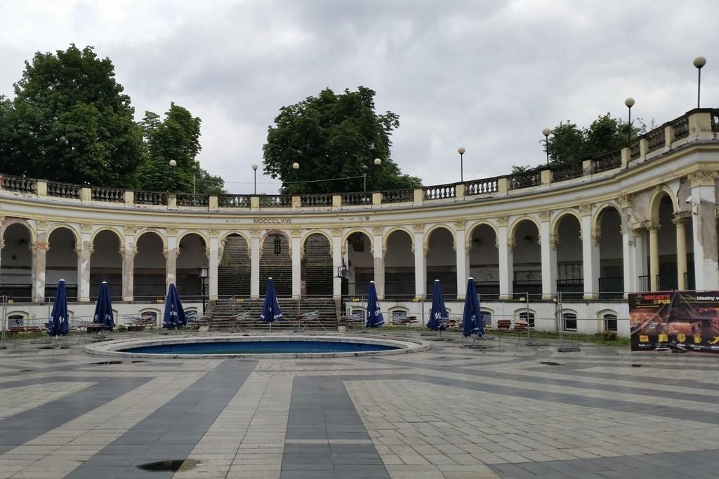 """Der Partisanenhügel (Wzgórze Partyzantów), der in der deutschen Zeit """"Liebichshöhe"""" oder auch Belvedere hieß, gehörte im 2. Weltkrieg zum Bestandteil der """"Festung Breslau""""!"""