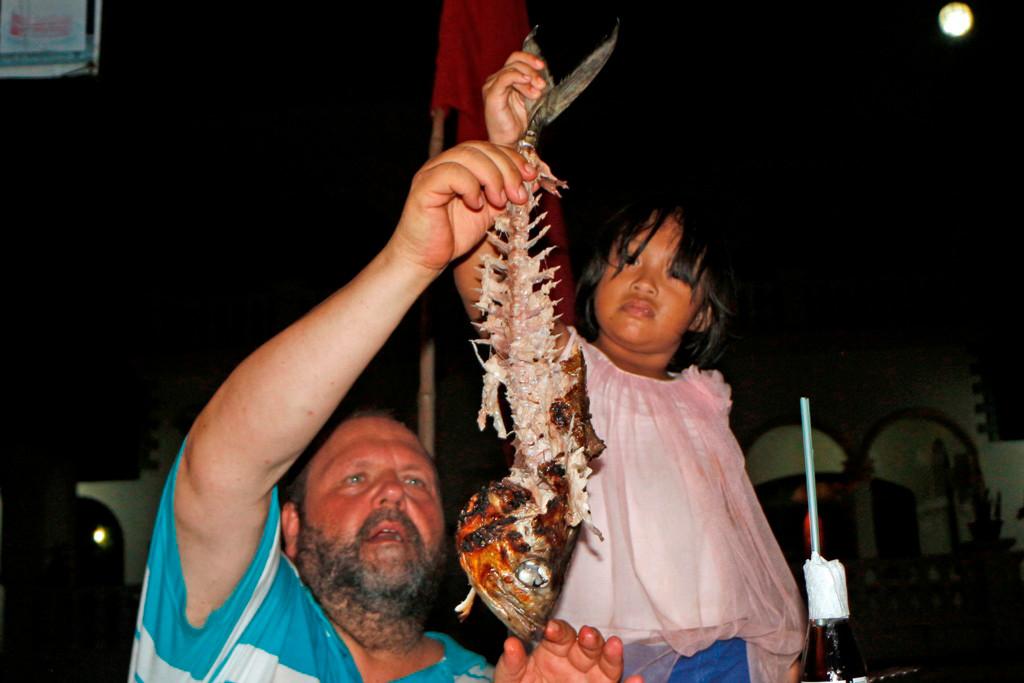 Hier zeigen Udo und Patty noch einmal das was vom Fisch übrig blieb, beeindruckend, oder?