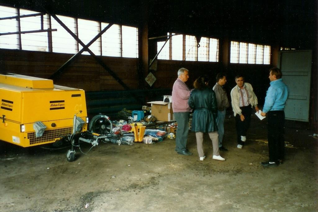 Am dritten Tag dann tat sich etwas, wir mussten unsere drei Container komplett ausräumen...