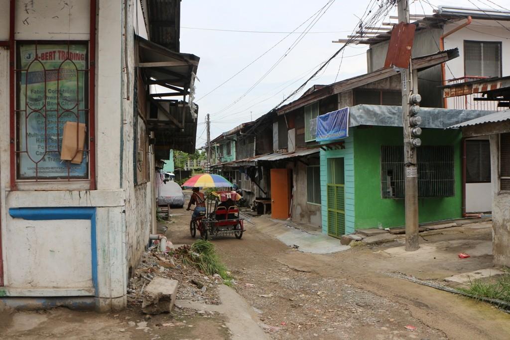 Einfache Behausungen in der Nähe von Cebus Zentrum