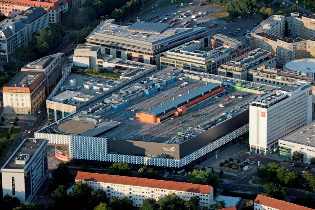 Die neu erbaute und am 17. September 2009 eröffnete Centrum Galerie. Das hier zuvor stehende Centrum- Warenhaus wurde 2007 abgerissen.