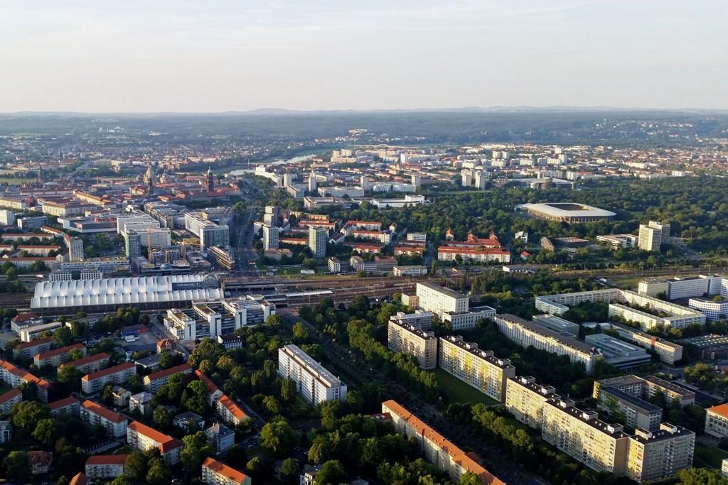 Blick auf Dresden vom Süden, so wie einst Napoleon die Stadt im August 1813 gesehen haben muss, als er in Dresden- Räcknitz seinen letzte Sieg auf deutschen Boden errang. Fazit: 15 T Tote, 15 T Verwundete und 20 T Gefangene Preußen, Österreicher und Russe