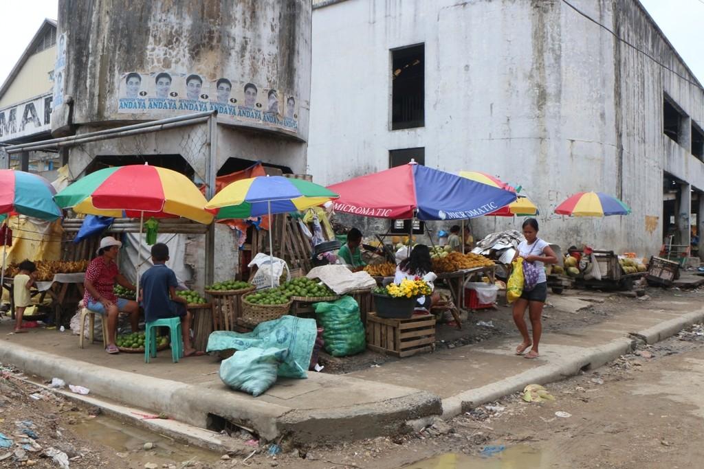 Wir sind endlich in Cebu City angekommen. Uns empfängt starke Betriebsamkeit!