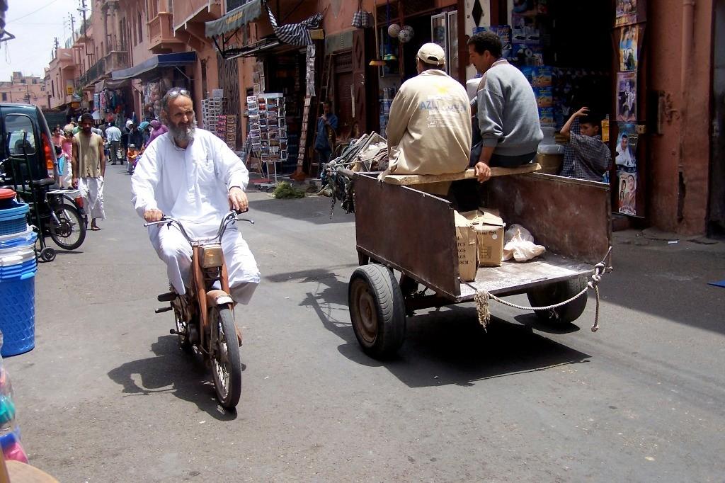 ...Impressionen vom Straßenverkehr