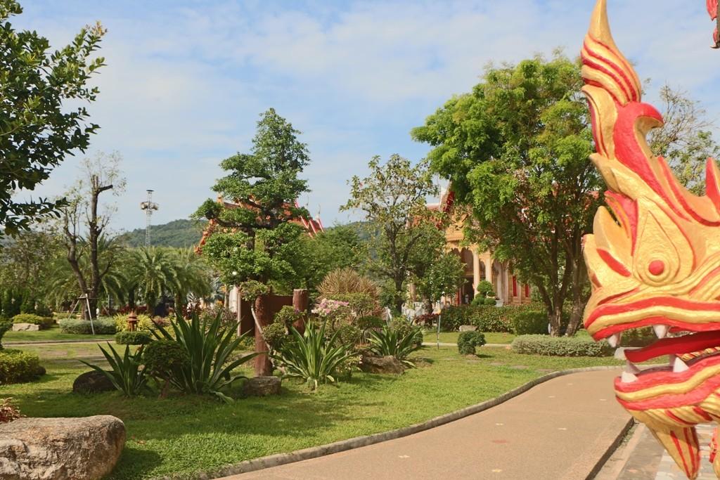 Gartenanlage des Wat Chalong