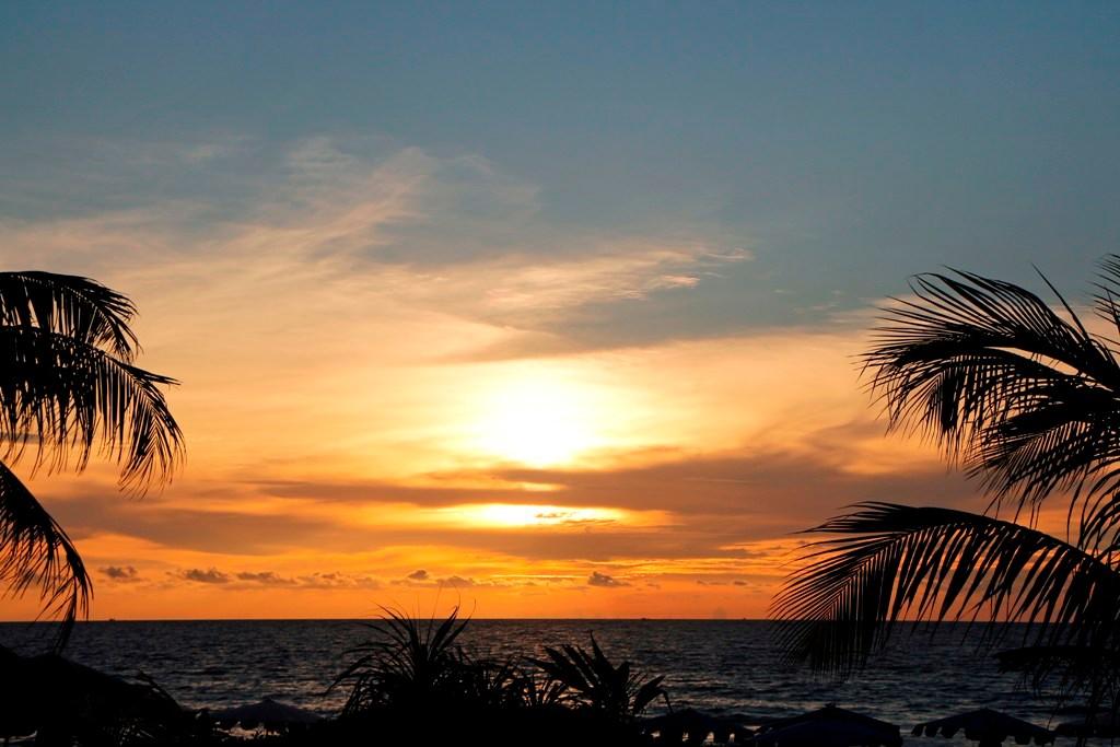 Und wie stets auch hier in Karon Beach - der Sonnenuntergang und dessen Faszination