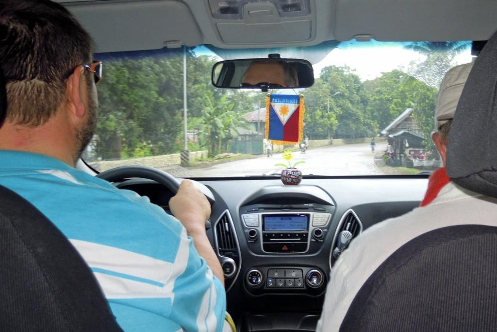 Auf gehts, wir fahre mit dem Tucson von Mom Grace nach Cebu City, Verwaltungsstadt von dem Central Visayas