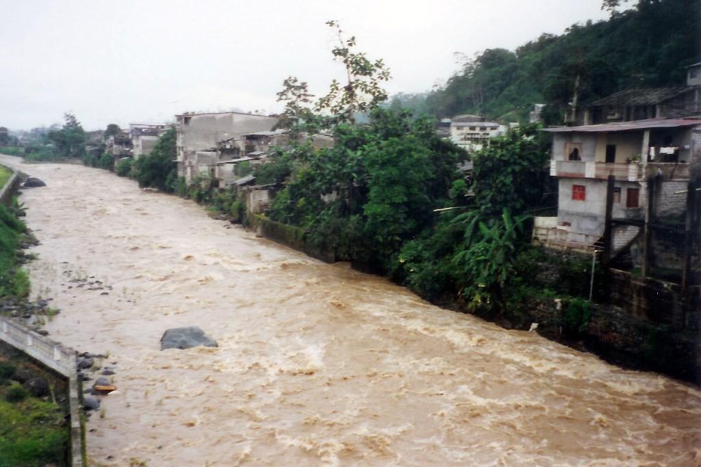 Hochwasser des Rio Canar bei La Puntilla