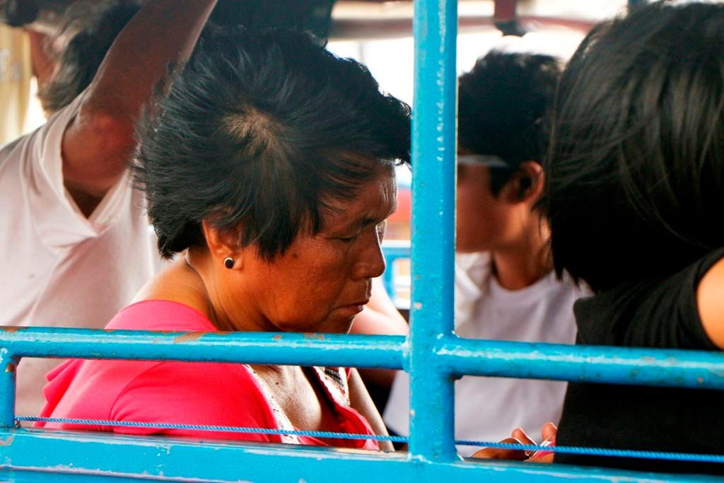 ...und auch hier will ich darauf aufmerksam machen, dass ohne Handy bei den Filipinos nichts geht!