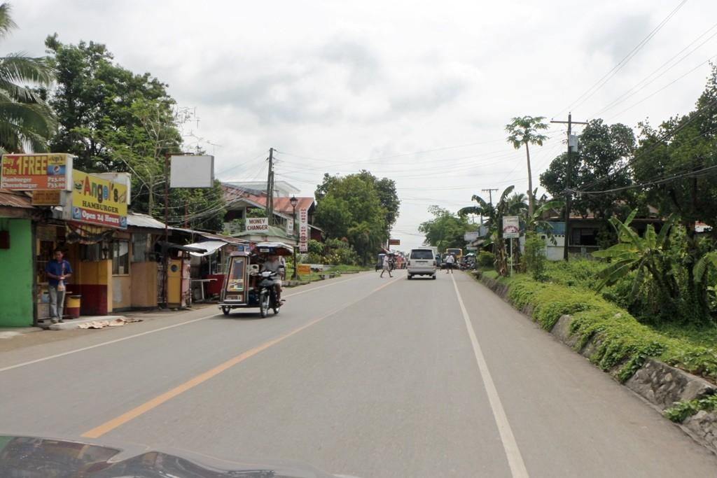 Wir nähern uns der Stadt Boljoon auf Cebu