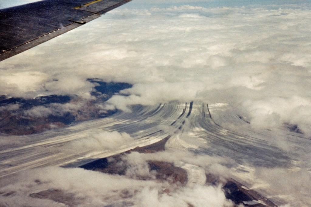 Überflug des Wrangell-St. Elias NP mit Sicht auf den Walsh- und Logan Gletscher in der Icefield Ranges , ein irres Erlebnis!