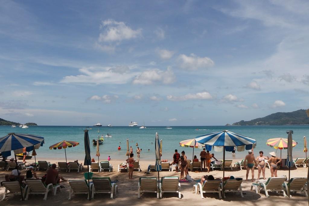 Wie erhohlsam dagegen ist der schöne und lange Strand von Karon Beach