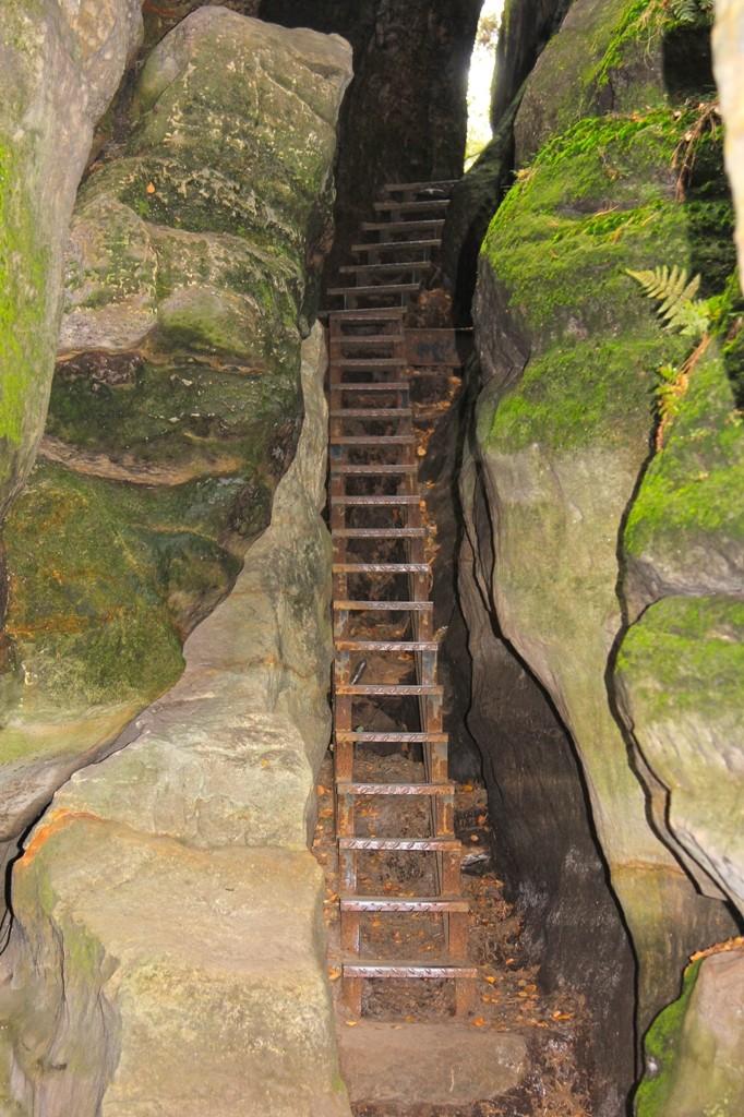 Das Nadelöhr, ein Teil des Aufstieges zum Tafelberg Plateau des Pfaffensteins