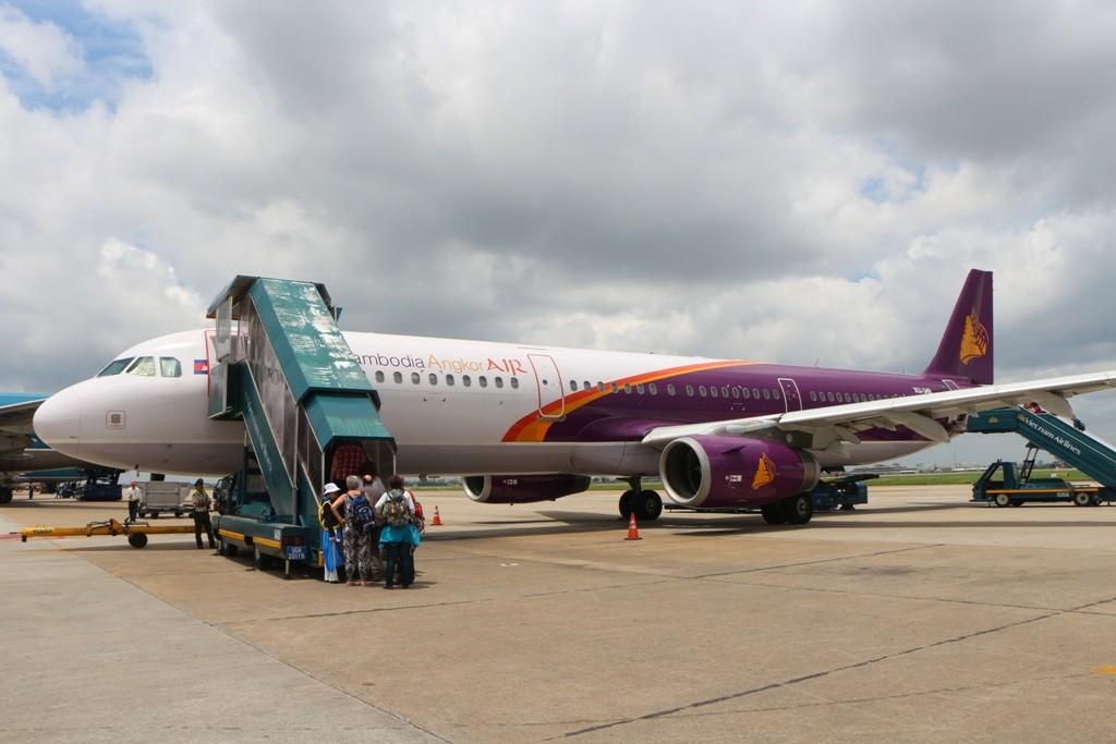 Wir besteigen unsere neue Maschine die uns noch Siem Reap - Kambodsche fliegen wird!