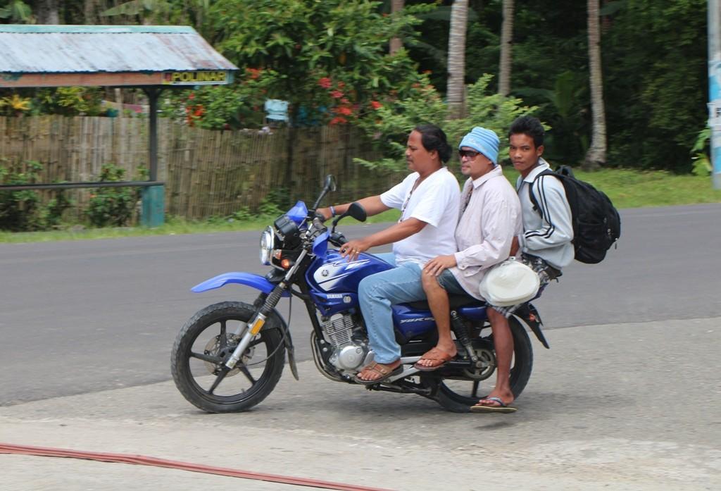 Unter diesem Ausnutzungsgrad fährt selten ein Moped oder Leichtmotorrad auf den Philippinen!