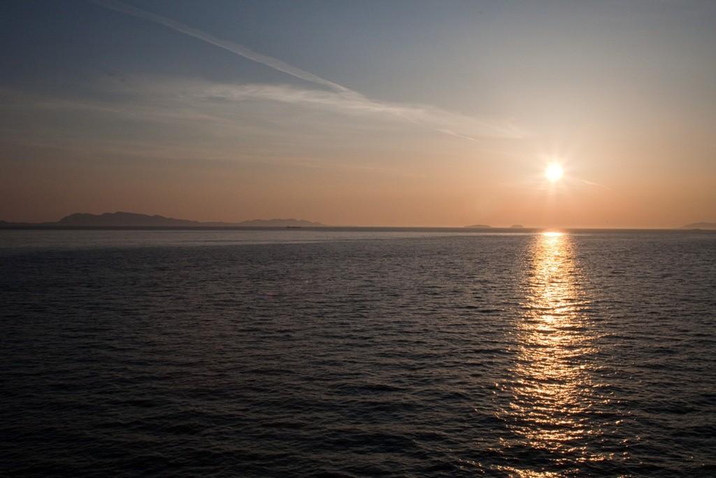 Nur noch wenige Meile und wir sind in Prince Rupert, am Firmament verabschiedet sich in feinster Weise die Sonne