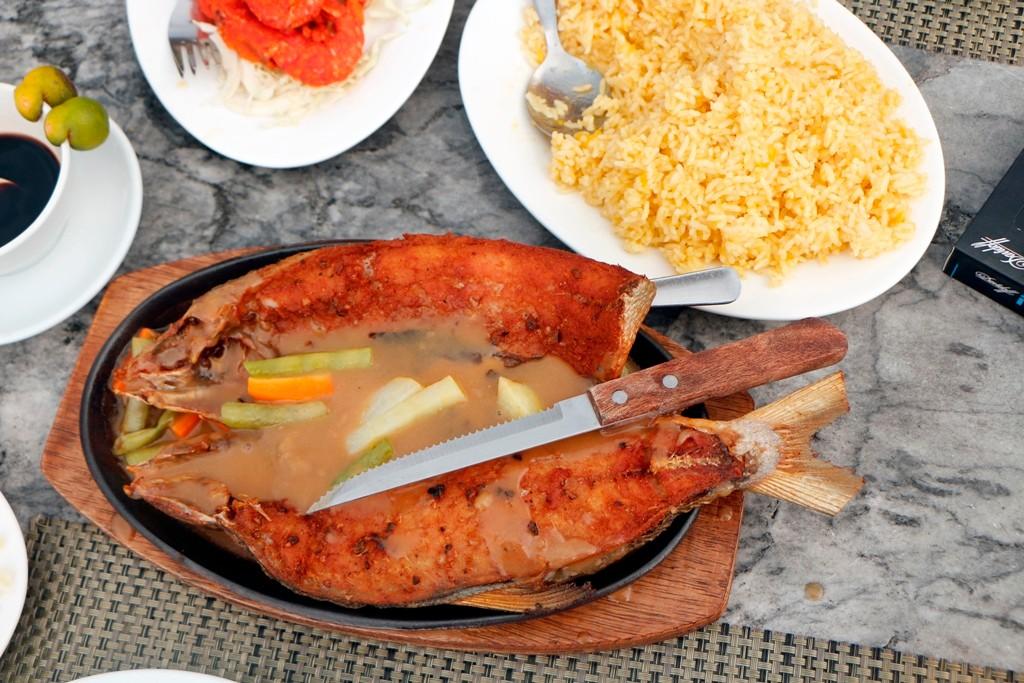 """Mein letzter """"Bangus"""" nach Art des Hauses, eine Fischspezialität von den Philippinen, die mir mein ganzen, verbleibendes Leben, erinnerlich sein wird, da ein Gourmet-Highlight!"""