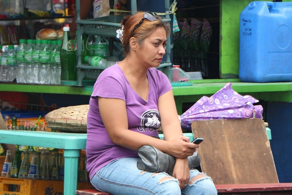 Ein Filippino ohne Händy, unvorstellbar! Rund 220 Mio. SMS versenden die Bürger hier.....am Tag, das machte uns sprachlos!!!