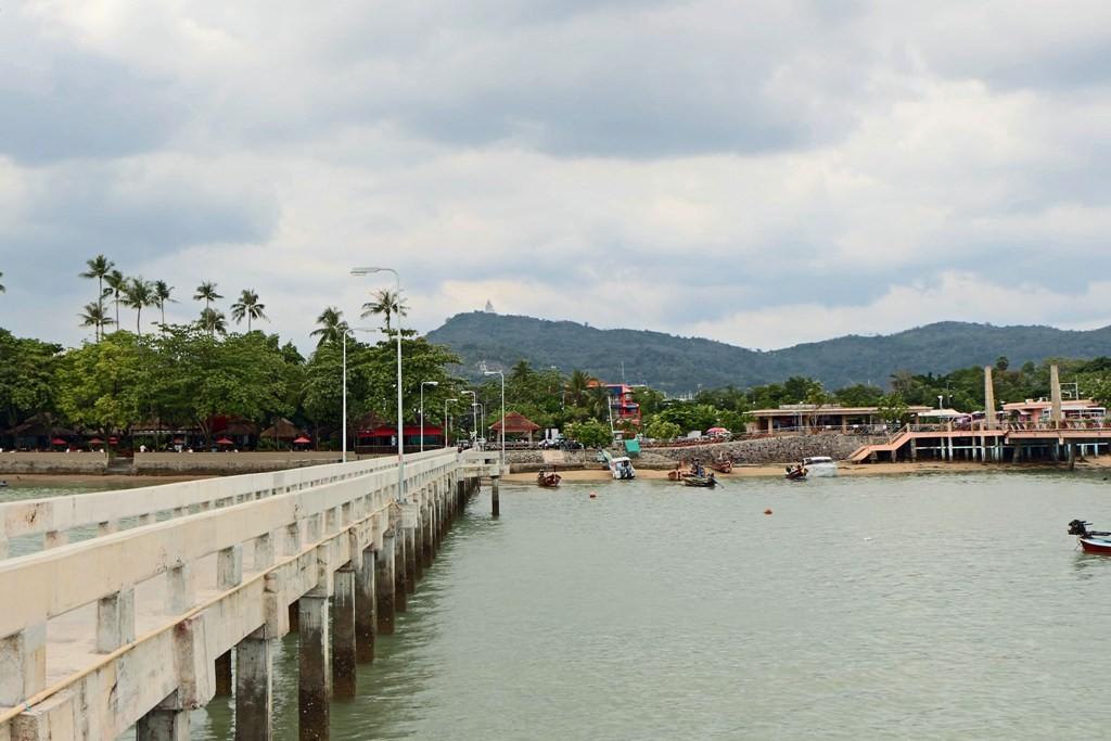 Blick von der Chalong Bay zum Big Buddha