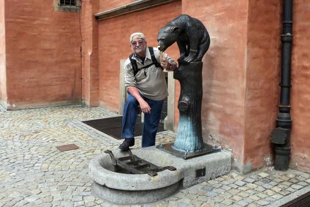 ...am Bärenbrunnen, der einst als Trinkbrunnen fungierte, fliest kain Wasser mehr
