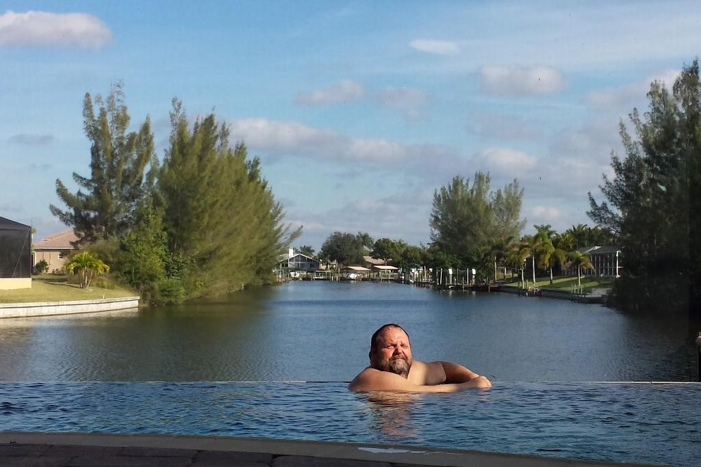 Udo auf Tauchstation, er war als Einziger im Pool!