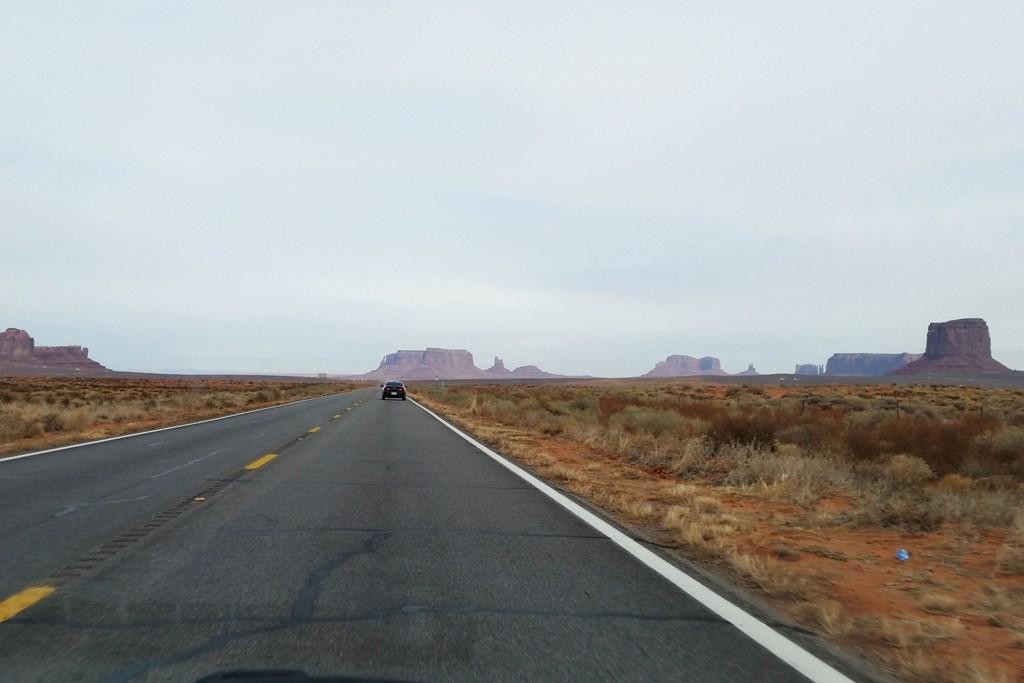 Wir fahren durch das Mystery Valley (rechter Hand)