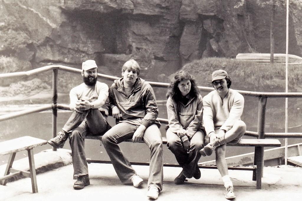 Mit Sportlern aus Kreischa i.d. Edmundsklamm 1982