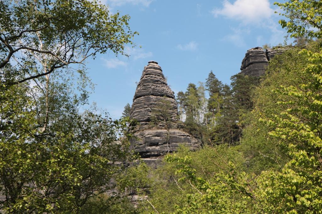 der Zuckerhut (Homole cukru), ein Klettergipfel am Gabrielensteig wie auch derBrüderturm, der Maiturm oder der Leydeturm