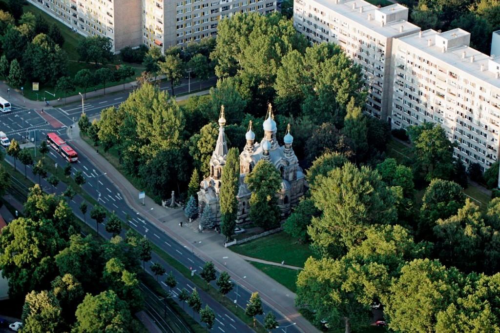 Die Russisch-Orthodoxe Kirche des Heiligen Simeon vom wunderbaren Berge von 1874 auf der Fritz-Löffler-Str. im Schweizer Viertel