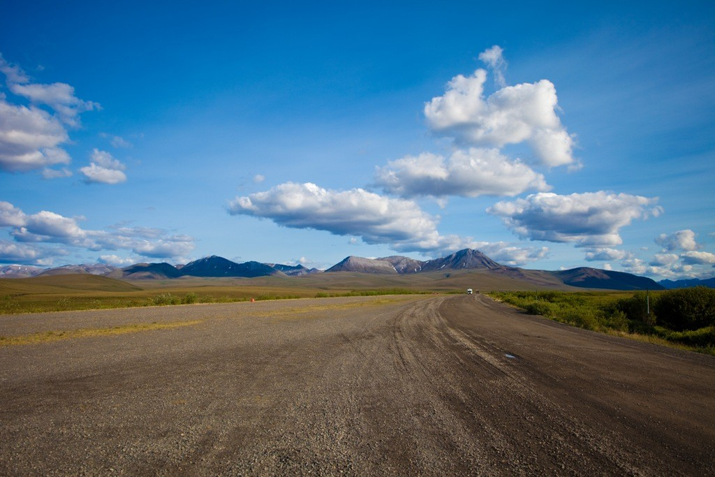Airstrip am Dempster HWY