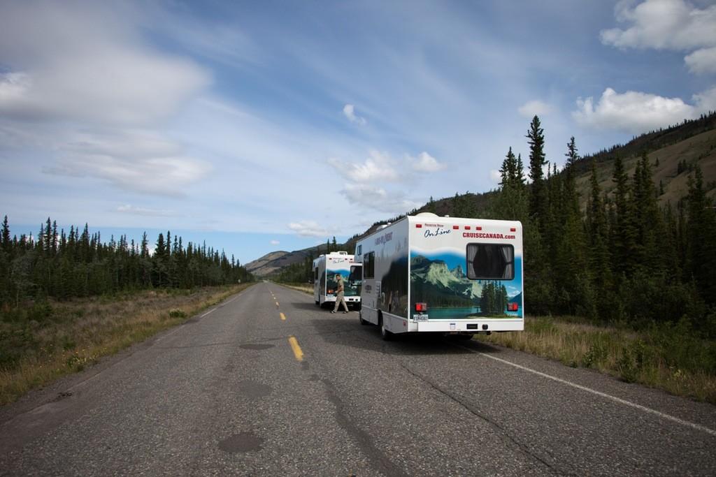 Abfahrt, den Klondike HWY nach Norden folgend in Richtung Dawson City