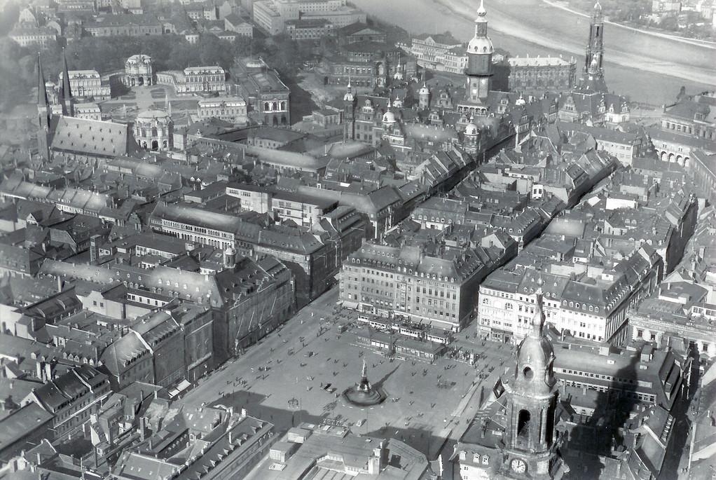 Dresden - Luftbild Altmarkt, Zwinger, Residenzschloss