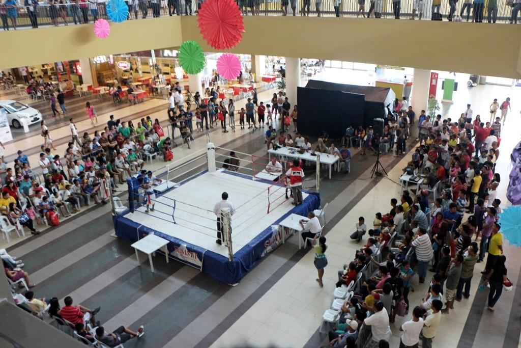 Da gibt es auch gleich mal nebenbei Kinder- und Jugendboxkämpfe zu sehen!