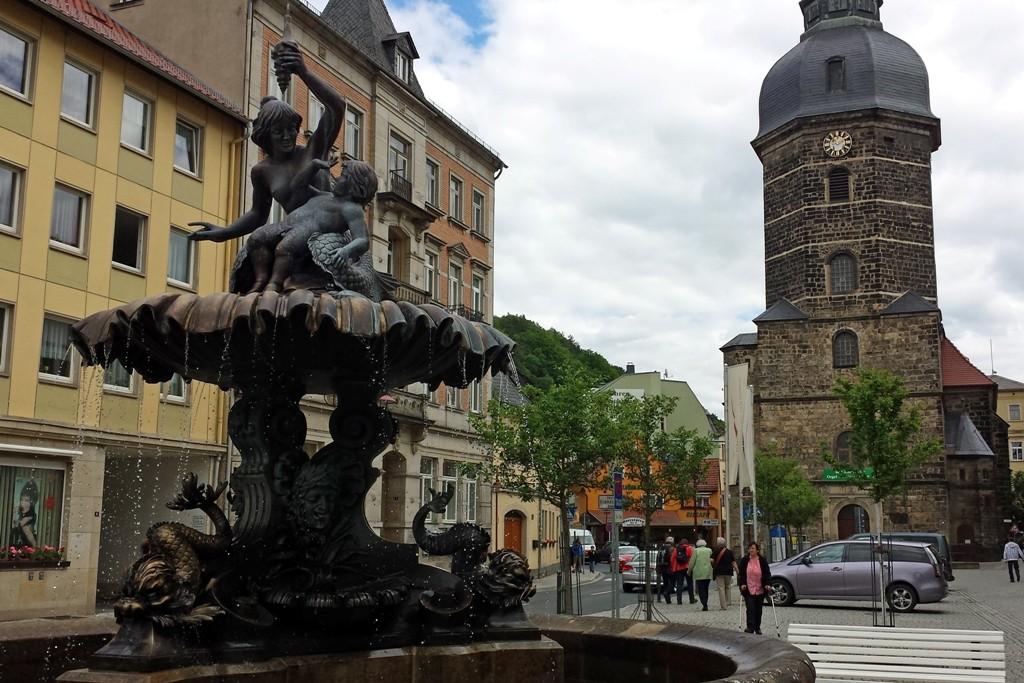 Der 1896 von Rudolf Sendig erbaute Brunnen ist Glanzstück des Martes von Bad Schandau