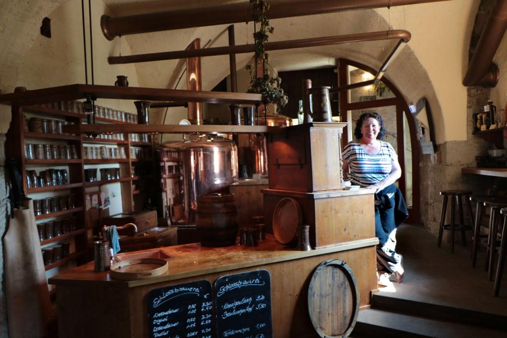 ...Rosa im Bierkeller Restaurant des Schlosses Weesenstein