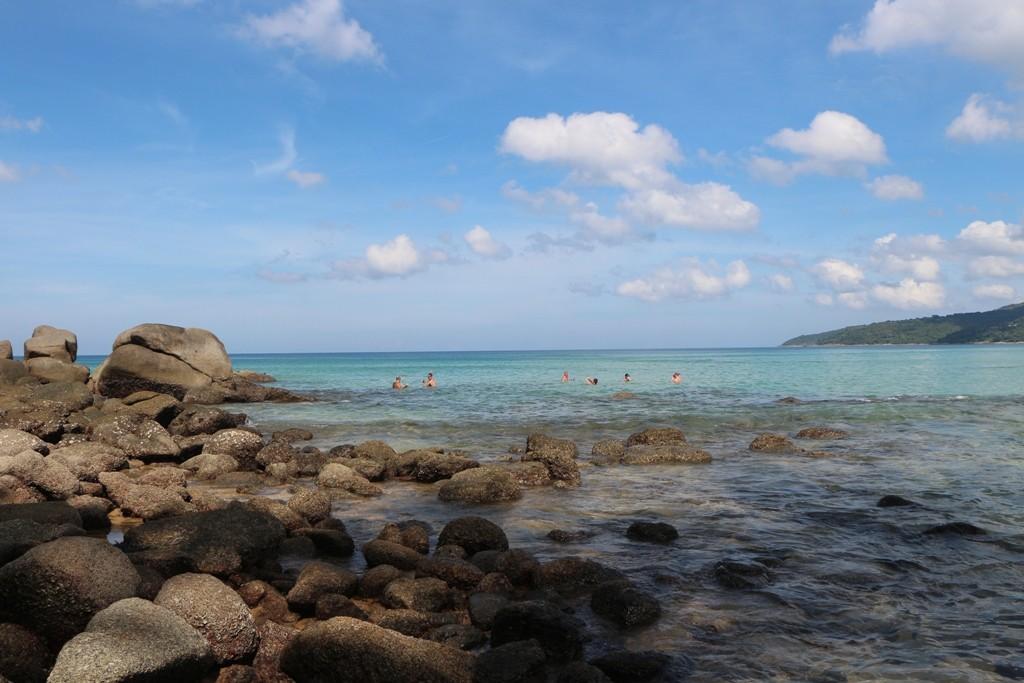 Der drei Kilometer Sandstrand von Karon - ein richtiges Badevergnügen