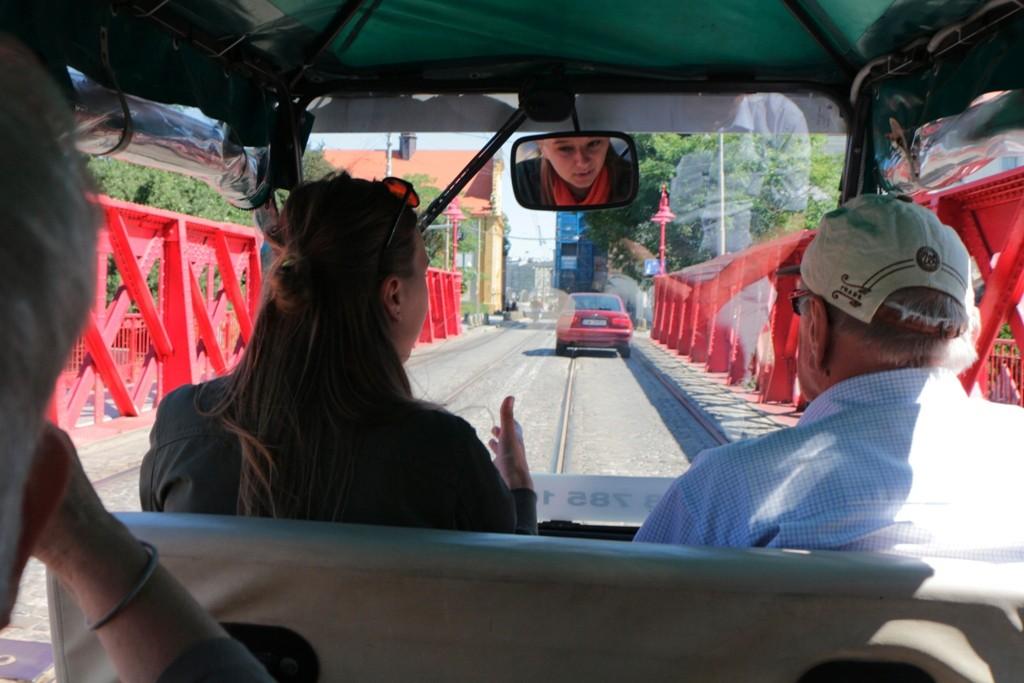 ...wir kutschieren mit dem Elektromobil durch das historische Breslau