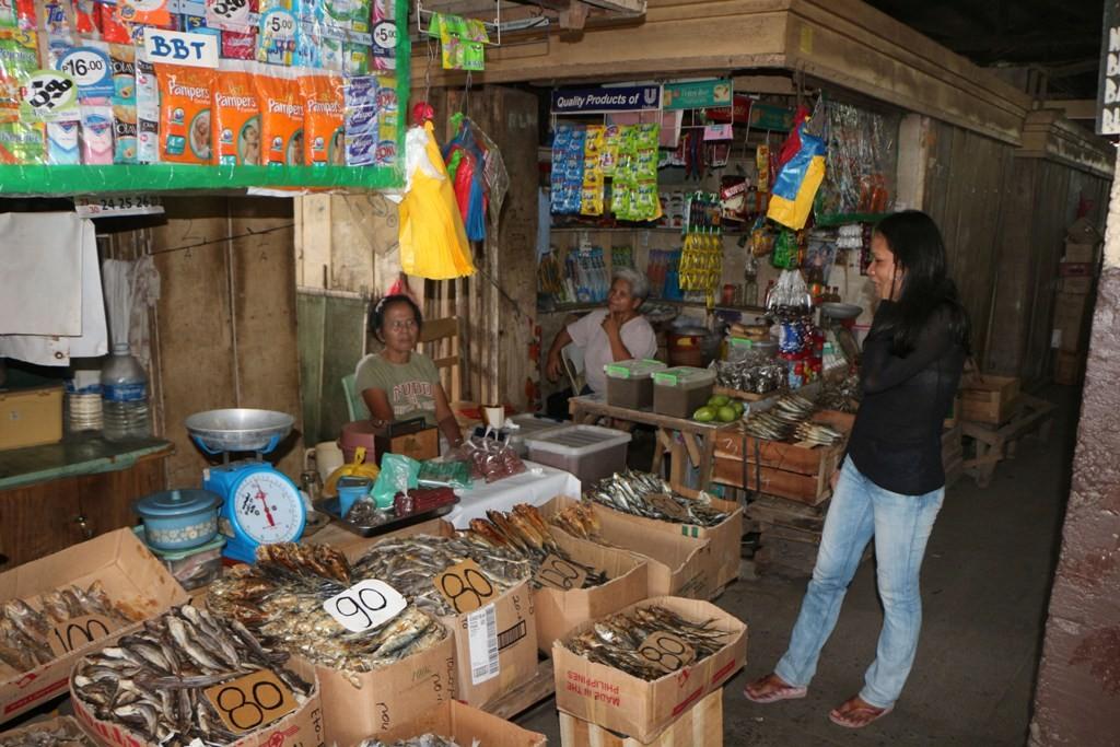 ...Szene aus dem Public Market von Santa Catalina
