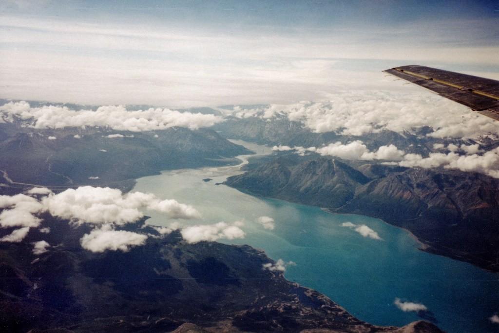 Blick auf den Yukon River vom Flugzeug aus