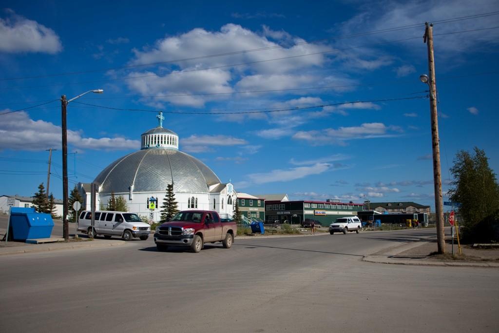 Die Iglu Kirche von Inuvik - es gibt dort wenig Sehenswertes in der nördlichsten Stadt des NWT