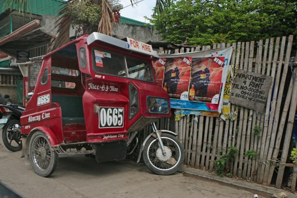 Wie überall auf den Philippinen, auch hier das Tricycle, nur konnten wir feststellen, dass jede Insel (Provinz) ihr eigenes, art typisches Design hervor gebracht hat!