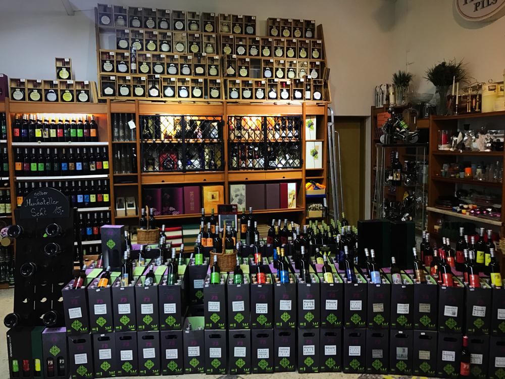 Unser Getränkeparadies für Jedermann - Getränke Bayer Königsbrunn am ...