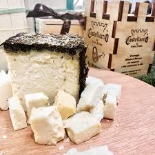 Castellaccio (Franciacorta) afinado en barrique y envejecido con romero y aceite de oliva virgen extra (51,50€/kg)