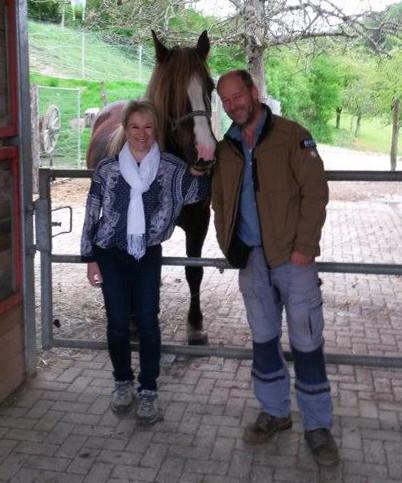 Sandra Kopf und Thomas Mayer auf dem Ross-Hof in Kandern