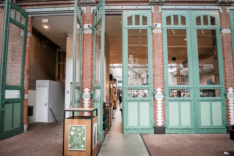 Foodhallen in Amsterdam, Essen, Spezialitäten, Hallen, Essen, Essensstände