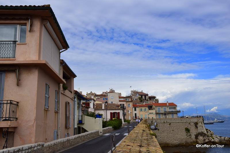 Antibes, Cote D Azur, Häuser, Yacht, Yachthafen